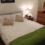 Apartamento 63- DORMITORIO Muy acogedor y cama amplia.
