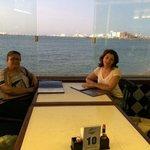 Curtindo uma bela vista com minha mae