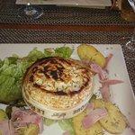 Camembert cuit au four