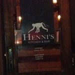 Henni's Kitchen & Bar