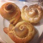 Il pane a forma di caracoles