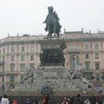 statua di re Vittorio Emanuele II