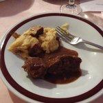 Polenta, funghi trifolati e cervo in salmì (cena tipica)