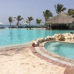 Swim up bar pool :-)