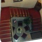 Le scale dell'albergo.