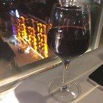 Два бокала вина : 26 лир