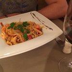 Linguini aux scampis, ail courgette et tomates