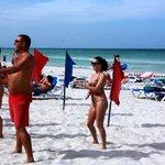 Утренняя сальса на пляже отеля;)
