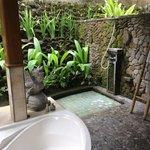 salle de bains douche et baignoire
