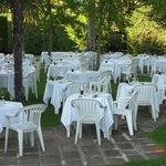 cena di gala in giardino