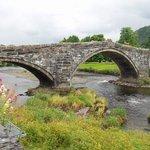 ponte antiga ao lado