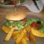 Des spécialités corses dans un burger!