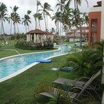 swim up lagoon/pool