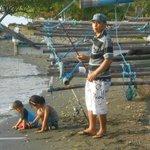 pêcheurs à côté de l'hotel