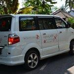 le mini-bus de la villa pour les transferts