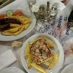 Moussaka e lukanico (salsiccia locale)
