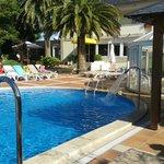 Zona piscina y terraza restaurante