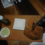 Lekker brood met kruidenboter.