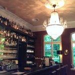 Bar mit tollem Kronleuchter
