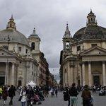 церкви-близнецы на Пьяцца-дель-Пополо