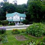 The beautiful Mast Farm Inn