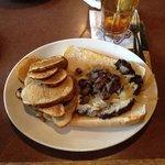 Sirloin Sandwich with round fries