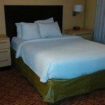Bedroom - room 322