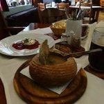 Знаменитый суп в хлебе