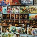 Картины около Флорианских ворот