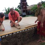Starting a fire, Activities to amuse guests before the luau festivities started