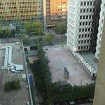 Vue de la piscine depuis l'ascenseur panoramique 2