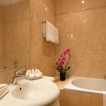 Bathroom at Hotel Amarante Beau Manoir