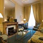 Salon of a Saint Honore Suite