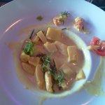 19€ et une crevette ( je l'ai coupée en 2) pour le Curry de coco de crevettes et calamars...une