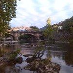 Puente romano desde el río