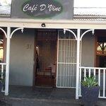 Cafe D'Vine