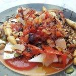 Ensalada griega de ahumados