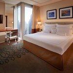 โรงแรมจูไมราเอมิเรททาวเวอร์