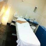 Una de las 5 cabinas de masaje - Massagge room