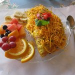 My omelet with fruit.