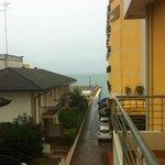 Вид с балкона на море и основной корпус
