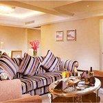 1 King Bed Premium Suite