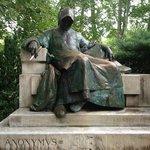 Estatua de Personaje Anonimo