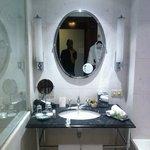 Salle de bain cabine douche + baignoire