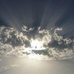 Ein Schnappschuß - Sonne hinter einer fetten Wolke!