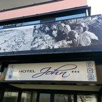 Photo of Hotel John