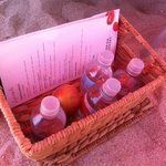 Вода и яблоки -у бассейна и на пляже . .. Очень приятно