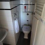 1 WC sur 2 Hors Service (Poets INN)
