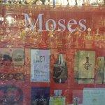 Moses.... Da non perdere.... Portare caffè per Moka mi raccomando.. Al resto pensa tutto lui! È