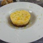 Cheesecake cirton jaune/vert et chocolat blanc.